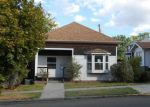 Foreclosed Home en E 10TH ST, The Dalles, OR - 97058
