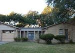 Foreclosed Home en WILLOW LN, Seguin, TX - 78155