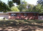 Foreclosed Home en RAMBLING RD, Morristown, TN - 37814