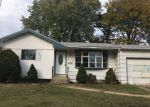 Foreclosed Home en VOORHIS DR, Brentwood, NY - 11717