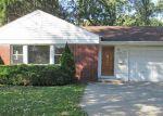 Foreclosed Home en S WOLF RD, Des Plaines, IL - 60016