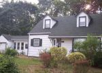 Foreclosed Home en GOULD RD, Centereach, NY - 11720