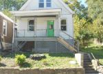 Foreclosed Home en HERMES AVE, Covington, KY - 41011