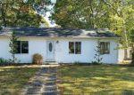 Foreclosed Home in NAMDAC AVE, Bay Shore, NY - 11706