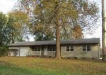 Foreclosed Home en CRYSTAL DR, La Grange, KY - 40031