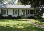 Foreclosed Home en MEADOWS AVE, Bloomington, IL - 61701