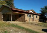 Foreclosed Home en PLEASANT DR, Ozark, AR - 72949