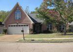 Foreclosed Home en FARKLEBERRY DR, Cordova, TN - 38016