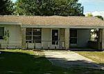 Foreclosed Home en CRESCENT LAKE DR, North Fort Myers, FL - 33917
