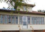 Foreclosed Home en S SYCAMORE ST, Villa Grove, IL - 61956