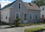 Foreclosed Home en 2ND ST, Bristol, RI - 02809