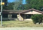 Foreclosed Home en N CAMERON ST, Alice, TX - 78332