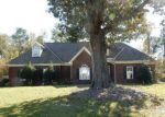 Foreclosed Home en SEABISCUIT DR, Raeford, NC - 28376