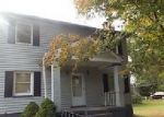Foreclosed Home en GARNER DR, Latonia, KY - 41015