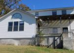 Foreclosed Home en E 10TH ST, Yellville, AR - 72687