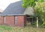 Foreclosed Home en CHESTNUT ST, Coshocton, OH - 43812