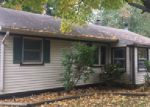 Foreclosed Home en REO AVE, South Bend, IN - 46619