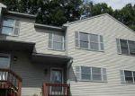 Foreclosed Home en PLAINFIELD PIKE, Johnston, RI - 02919