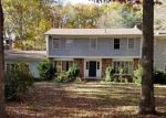 Foreclosed Home en HERITAGE DR, East Greenwich, RI - 02818