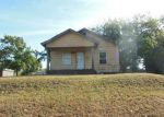 Foreclosed Home en S 14TH ST, Chickasha, OK - 73018
