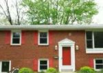 Foreclosed Home en CHESTER CREEK RD, Brookhaven, PA - 19015