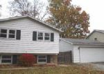 Foreclosed Home en HILLCREST TER, Round Lake, IL - 60073