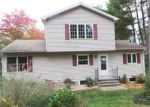 Foreclosed Home en CREST AVE, Danbury, CT - 06811
