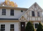 Foreclosed Home en SUNRISE RD, Wolcott, CT - 06716