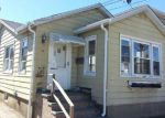 Foreclosed Home en HASTINGS RD, Island Park, NY - 11558
