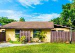 Foreclosed Home en FOX RD, Hollywood, FL - 33024