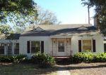Foreclosed Home en HOSKINS AVE, Lufkin, TX - 75901