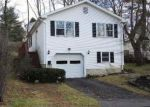 Foreclosed Home en BARTON ST, Torrington, CT - 06790
