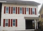 Foreclosed Home en CENTER AVE, Beaver Springs, PA - 17812