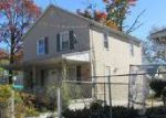 Foreclosed Home en MITCHELL ST, Camden, NJ - 08105