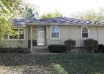 Foreclosed Home en E 27TH TER S, Independence, MO - 64055