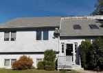 Foreclosed Home en FLAT RIVER RD, Coventry, RI - 02816
