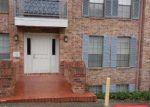 Foreclosed Home en FREDERICKSBURG RD, San Antonio, TX - 78229