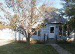 Foreclosed Home en 12TH ST, Charleston, IL - 61920