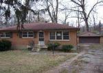 Foreclosed Home en SANDSTONE BLVD, Louisville, KY - 40219