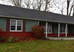 Foreclosed Home en COUNTRY CLUB DR, Newark, OH - 43055