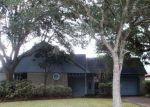 Foreclosed Home en S PEACH HOLLOW CIR, Pearland, TX - 77584