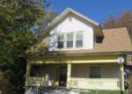 Foreclosed Home en W 2ND ST N, Wichita, KS - 67203