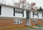 Foreclosed Home en GALEWOOD DR, Matawan, NJ - 07747