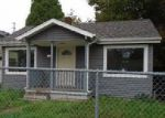 Foreclosed Home en N CALHOUN AVE, Portland, OR - 97203