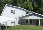 Foreclosed Home en HILLCREST DR, Windsor, MO - 65360