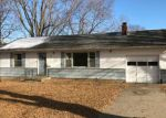 Foreclosed Home en CYPRESS AVE, Grandview, MO - 64030