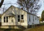 Foreclosed Home en PEORIA ST, Lincoln, IL - 62656