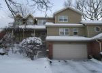 Foreclosed Home en SHAGBARK DR, Elgin, IL - 60123