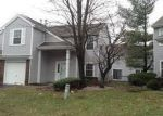 Foreclosed Home en LAWRENCE LN, New Brunswick, NJ - 08901
