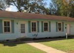 Foreclosed Home en W POST OFFICE ST, Weimar, TX - 78962